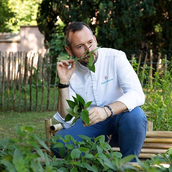 David Gallienne dans son jardin
