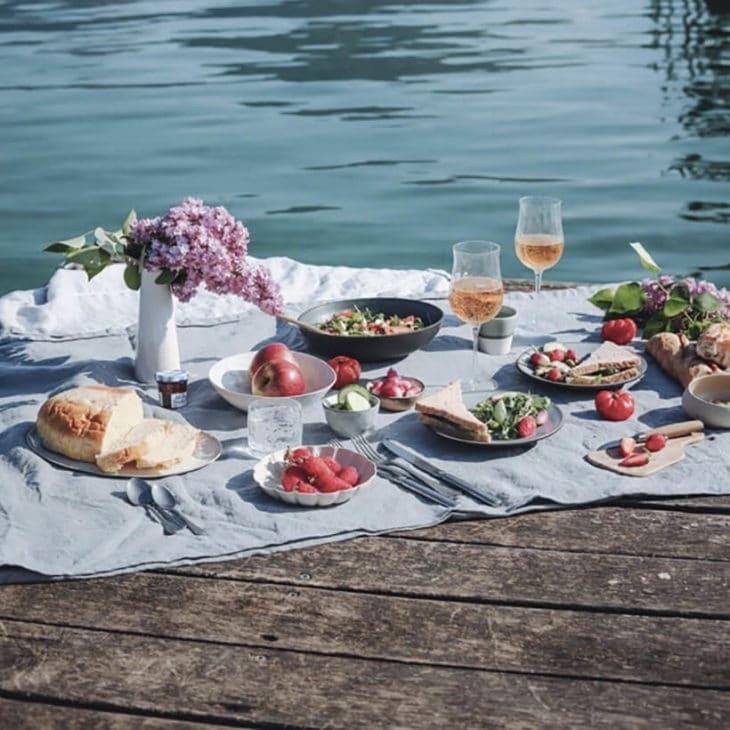 Les arts de la table - Pique-nique au bord du lac par parystryandtravel